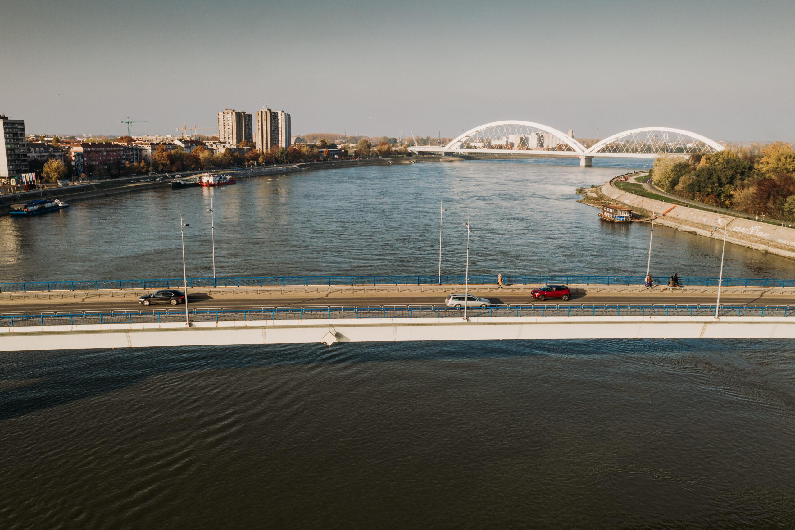 на лепом плавом Дунаву